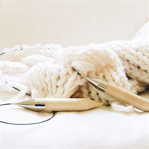 blanket knitting needles 1000 ideas about circular knitting needles on