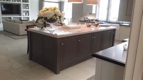 bespoke kitchen islands painting bespoke kitchens in berkshirehand painted kitchens furniture and interiors