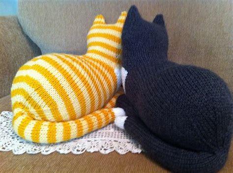 cat knitting cats knitting pattern 187 http www ravelry