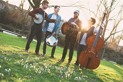 the festivals modern live folk band