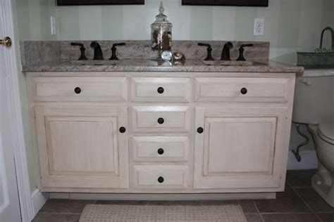 Distressed White Bathroom Cabinets by Distressed White Bathroom Vanity Cabinets Vanity1web