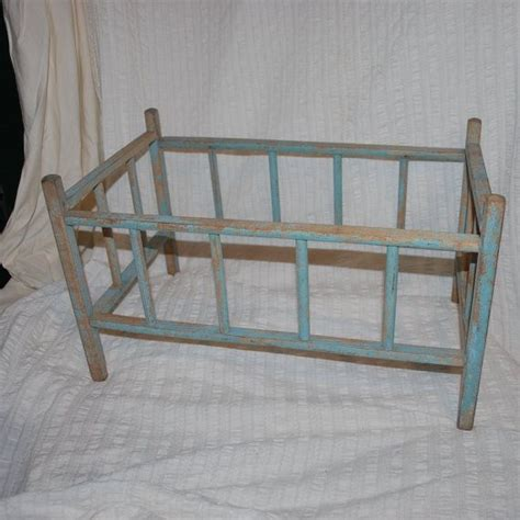 antique looking baby cribs 1000 images about 1950s doll cribs on metals