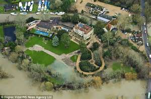 george clooney home inside george and amal clooney s 17th century mansion in