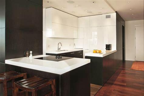 credence cuisine blanc laque 7 plan de travail cuisine en blanc quartz ou corian rutistica