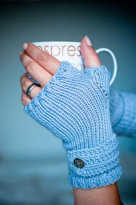 free knitting patterns for fingerless gloves top 10 free patterns for knitting fingerless mittens top