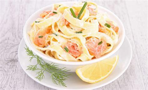 recette de salade de p 226 tes pappardelles au saumon fum 233 et au concombre par alain ducasse