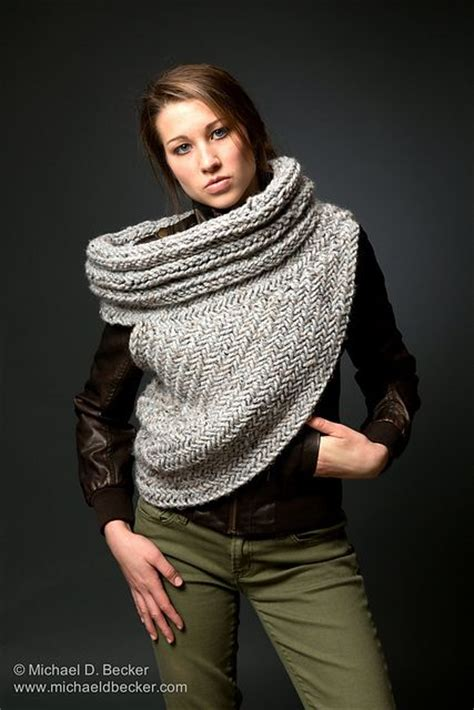 katniss knitted cowl pattern from raverly by kysaa katniss cowl