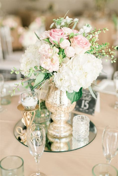 centerpieces with flowers 1000 ideas about glass centerpieces on