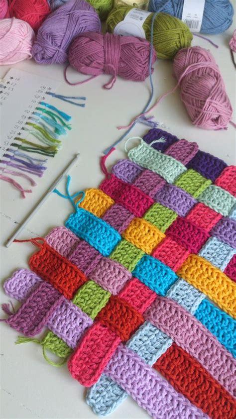 www coatsandclark crafts crochet projects basket weave crochet strips bench cover photo tutorial