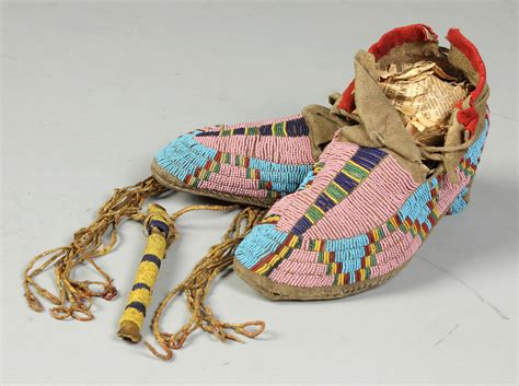 beaded american moccasins american beaded awl moccasins cottone auctions