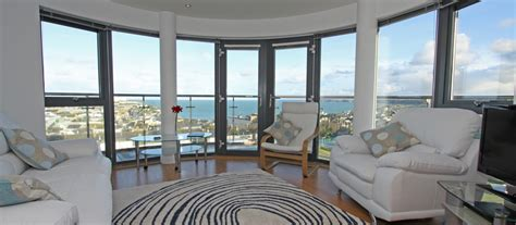 luxury homes to rent in cornwall top 10 luxury seaview apartments to rent in