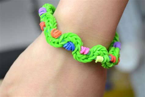 make rubber band jewelry how to make new twist rubber band bracelet by