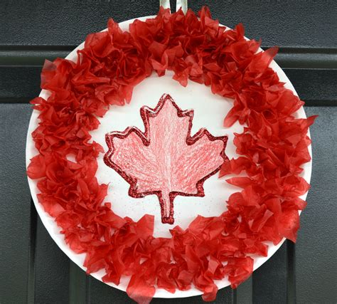 canada crafts for canada day wreath craft for play cbc parents