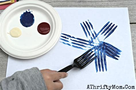 easy craft projects fireworks painted with a fork and easy craft
