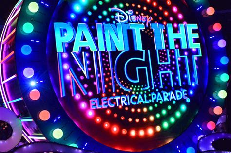 paint nite pass best viewing of paint the parade at disneyland