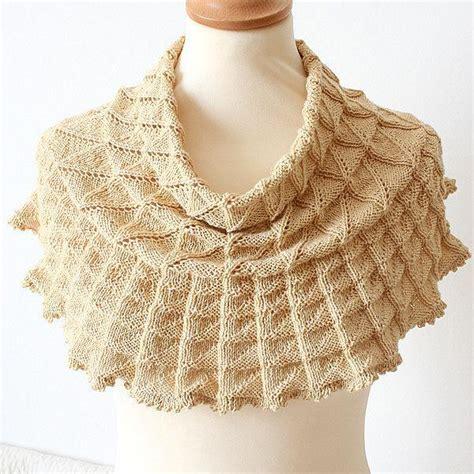 knit lace cowl pattern lace cowl by oasidellamaglia knitting pattern