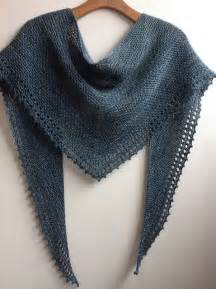 how to knit a shawl 25 best ideas about shawl on crochet shawl
