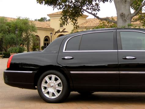 Town Car Service by Town Car Service In Los Angeles By Modern Limo Service