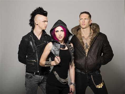 for hire gigzealot 187 icon for hire are back in the studio after 18