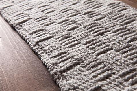 free knitted table runner patterns tissiere table runner knitting patterns and crochet