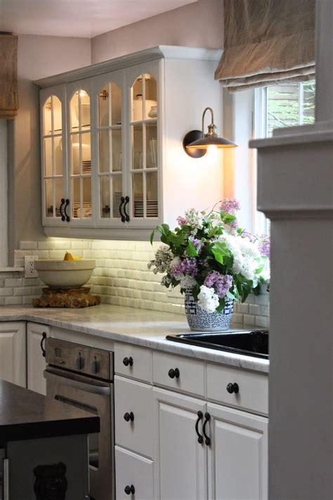 kitchen sink lighting ideas 25 best ideas about sink lighting on the kitchen sink decor kitchen