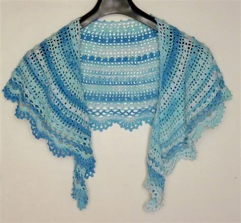 crescent shawl knitting pattern 124 best images about crescent moon on nancy