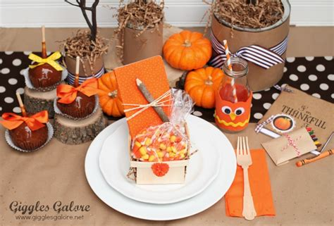 thanksgiving table crafts for whoo s thankful thanksgiving table setting giggles