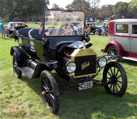 Ford Automobiles by Antique Car