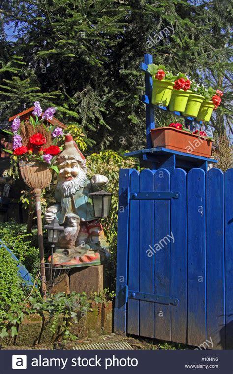 Im Reich Der Gartenzwerge by Gartenzwerge Stockfotos Gartenzwerge Bilder Alamy