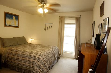 2 bedroom apartments in manhattan crest apartments 1 2 bedroom near k state manhattan ks