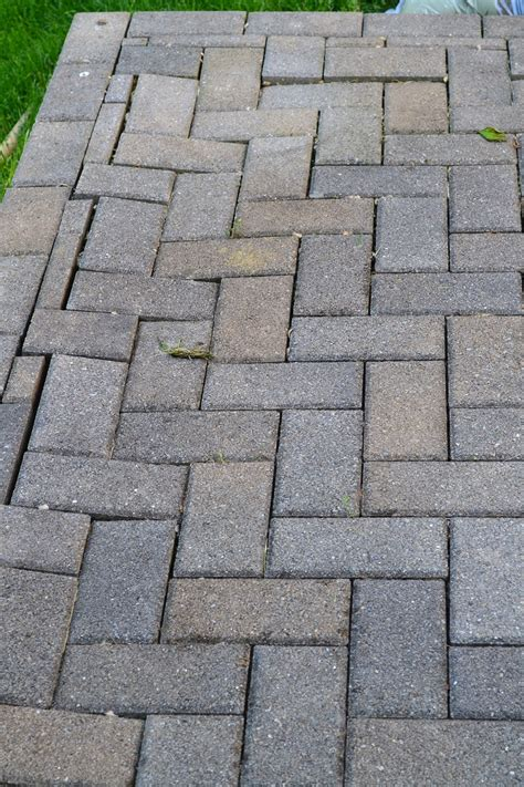 how to patio pavers repairing sunken patio pavers