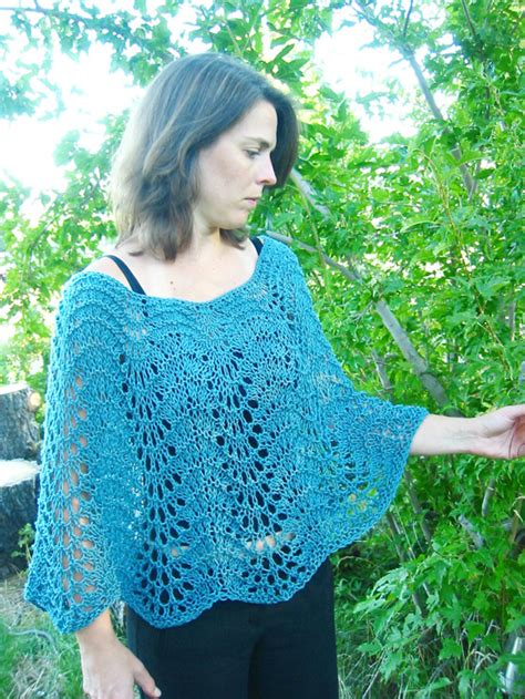easy knit poncho pattern 251 easy lace poncho knitting and simple