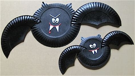 paper plate bat craft paper plate bats family crafts
