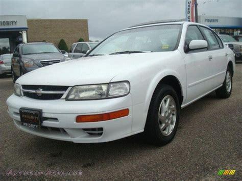 1998 Nissan Maxima Gle by 1998 Nissan Maxima Gle In Arctic White Pearl Metallic