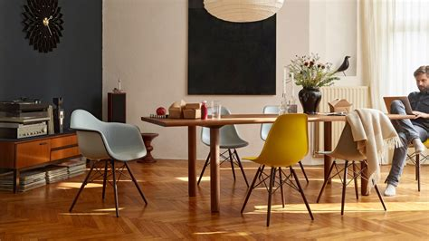 Eams Chair by Vitra Eames Plastic Chair