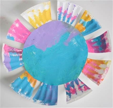 paper craft for flowers paper plate flowers for toddlers happy hooligans