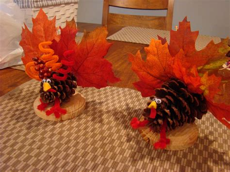 make a turkey craft project thanksgiving turkey crafts to make with leaves atta