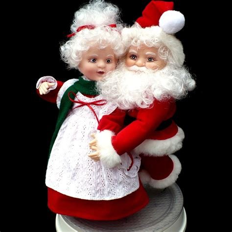 animated mr and mrs claus animated mr mrs santa claus skaters santa s