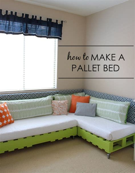 Chairs That Make Into A Single Bed by Diy Kid S Pallet Bed