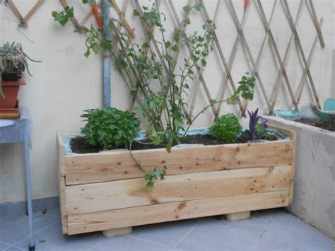 pallet planter boxes diy pallet planter box 101 pallets
