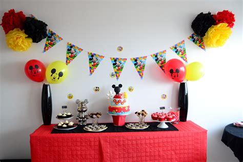 d 233 coration anniversaire mickey noir et jaune anniversaire th 232 me mickey