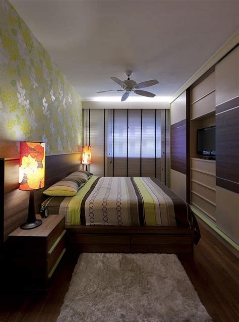 decorating a bedroom best 25 narrow bedroom ideas on sofa bed