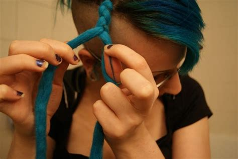 how to put dread on installing ended dreads two ways 183 how to make a