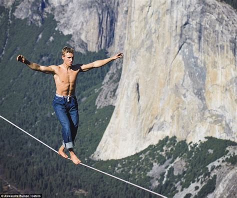 tight rope daredevil mich kemeter performs tightrope walk 3 000ft up