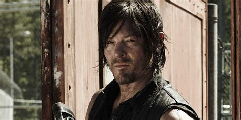 walking bead why norman reedus says you ll definitely cry in walking