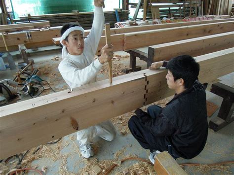 traditional woodworking joints japanese carpenters demonstrate traditional wooden joints