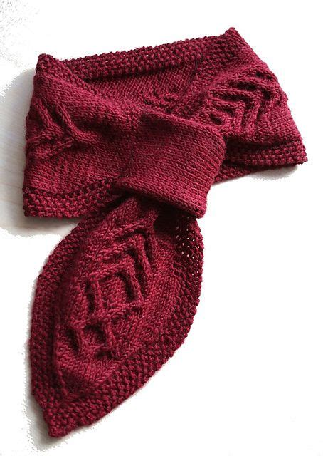 knitted neck scarf patterns 25 best ideas about neck warmer on cable