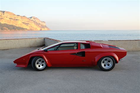 #countach sur topsy.one
