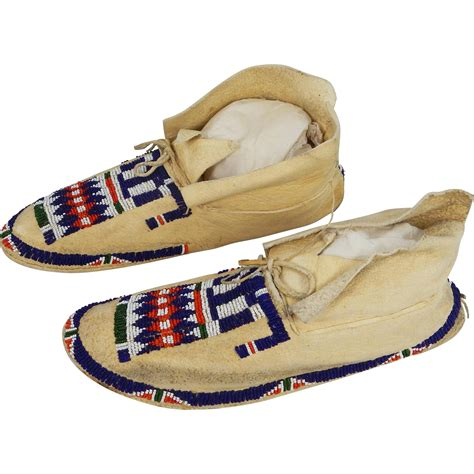 mens beaded moccasins buffalo brain tanned and beaded s cheyenne moccasins
