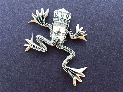 dollar bill frog origami tree frog money origami dollar bill vincent the artist